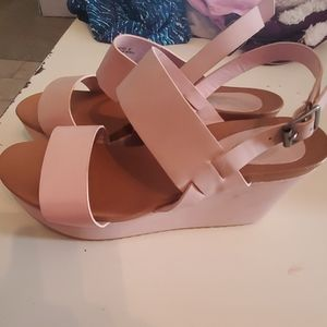 New pink wedges size 10